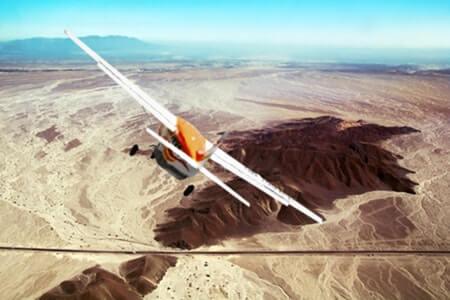 イカ空港からナスカの地上絵+パルパ線を飛ぶ