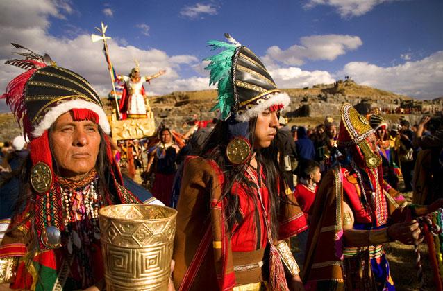 Inti Raymi-ticket in oranje gedeelte. Voorkeur stoelen.