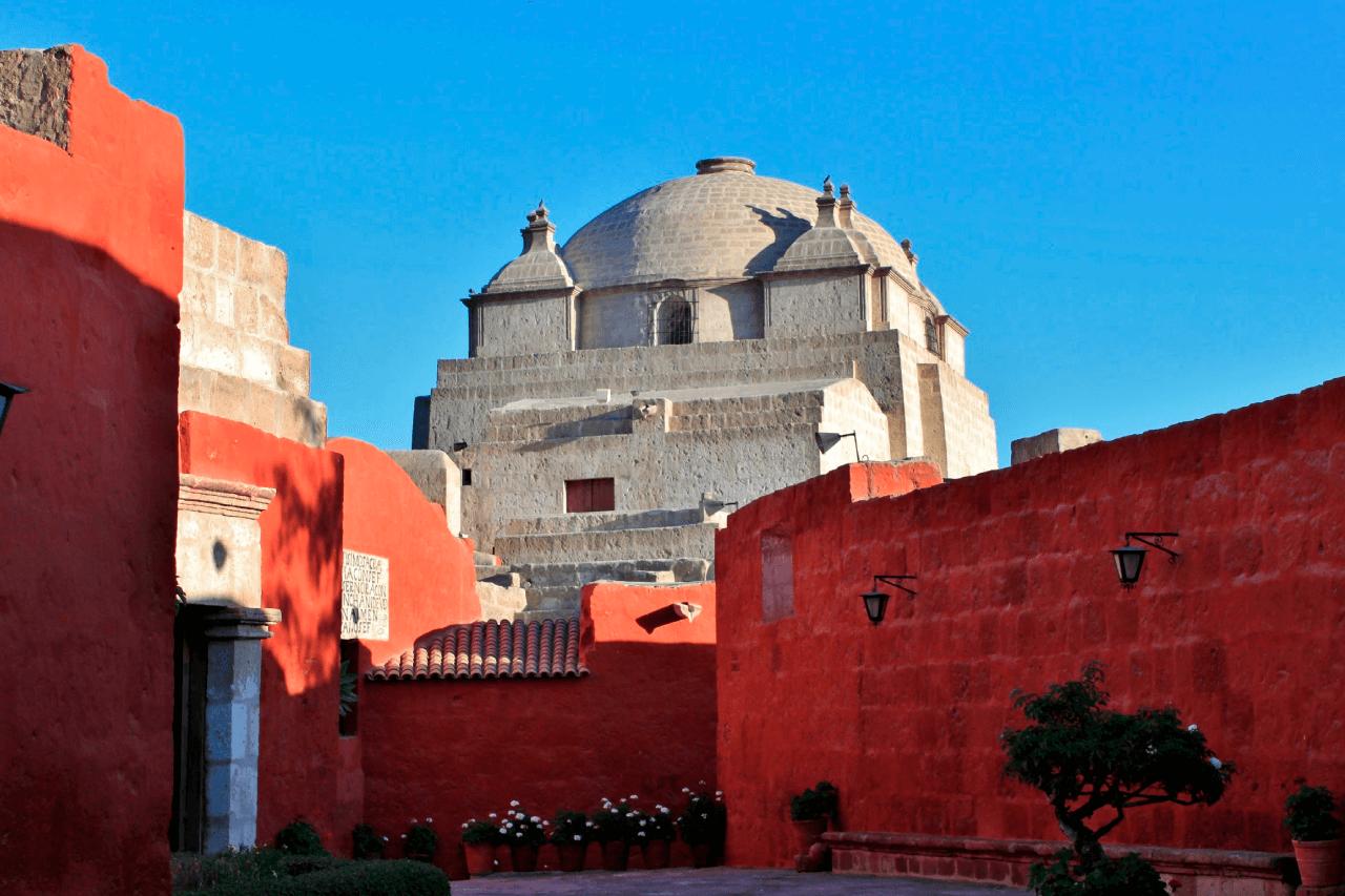 Walking Arequipa City Tour + Monastery